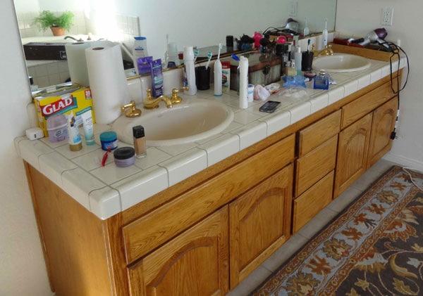 2 Minute Bathroom Counter Challenge
