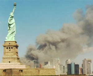 National_Park_Service_9-11_Statue_of_Liberty_and_WTC