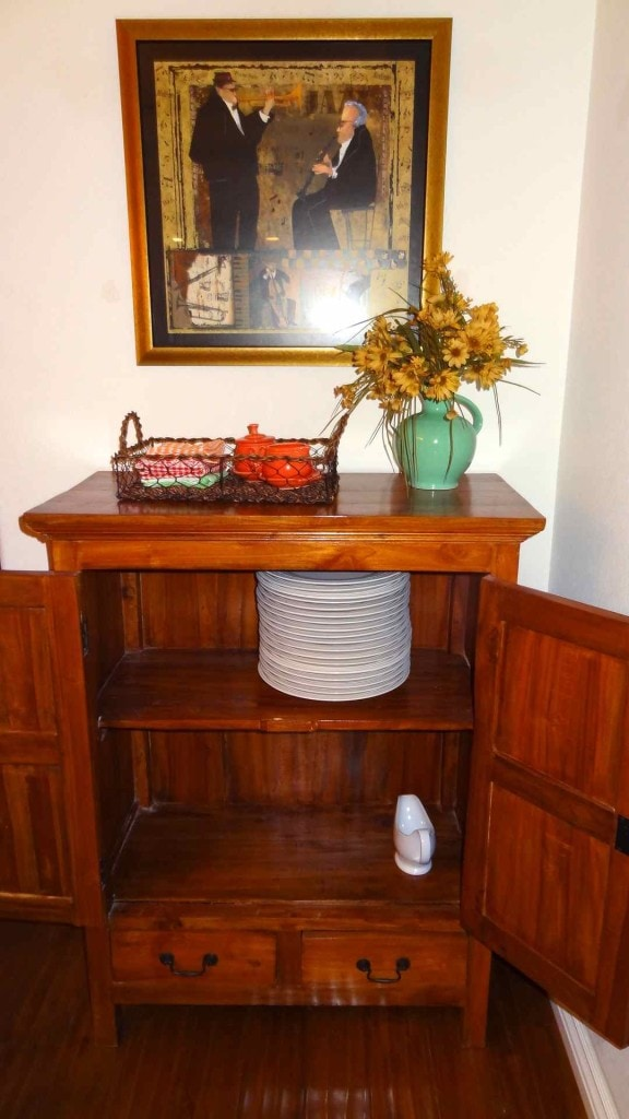 Tidy Dining Room Storage