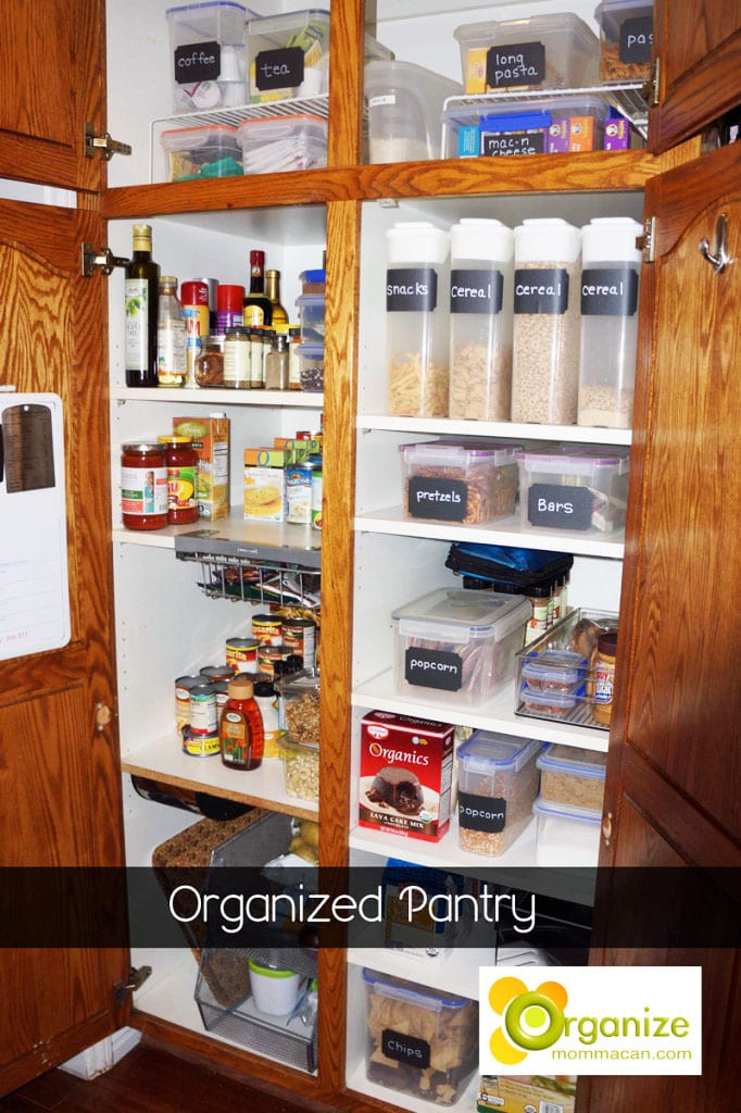 Organized Pantry Mommacan.com