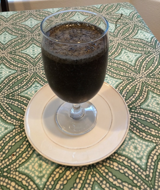 Chocolate Cherry – Spinach Smoothie with a Dash of Hemp – Paleo and Vegan Friendly
