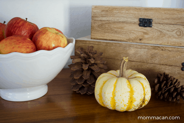 festive-fall-home-tour-apples-boxes-and-pinecones-with-little-cutie-pie-pumpkin-mommacan-com