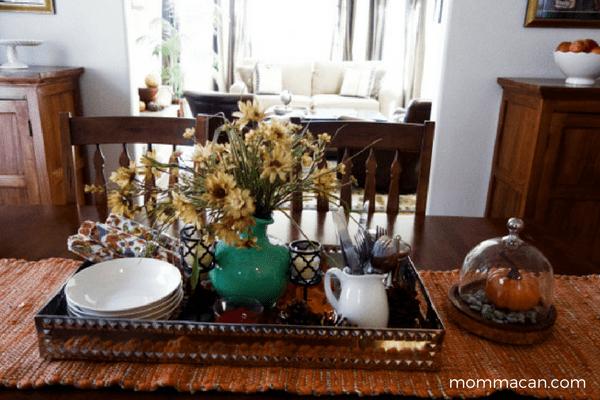 festive-fall-home-tour-dinning-room-mommacan-com