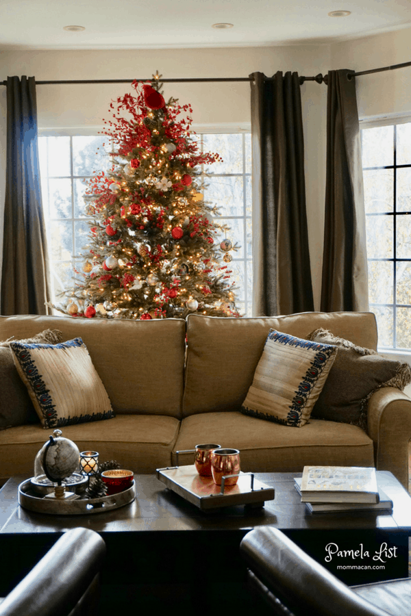 christmas-tour-2016-mommacan-com-living-room-with-christmas-tree
