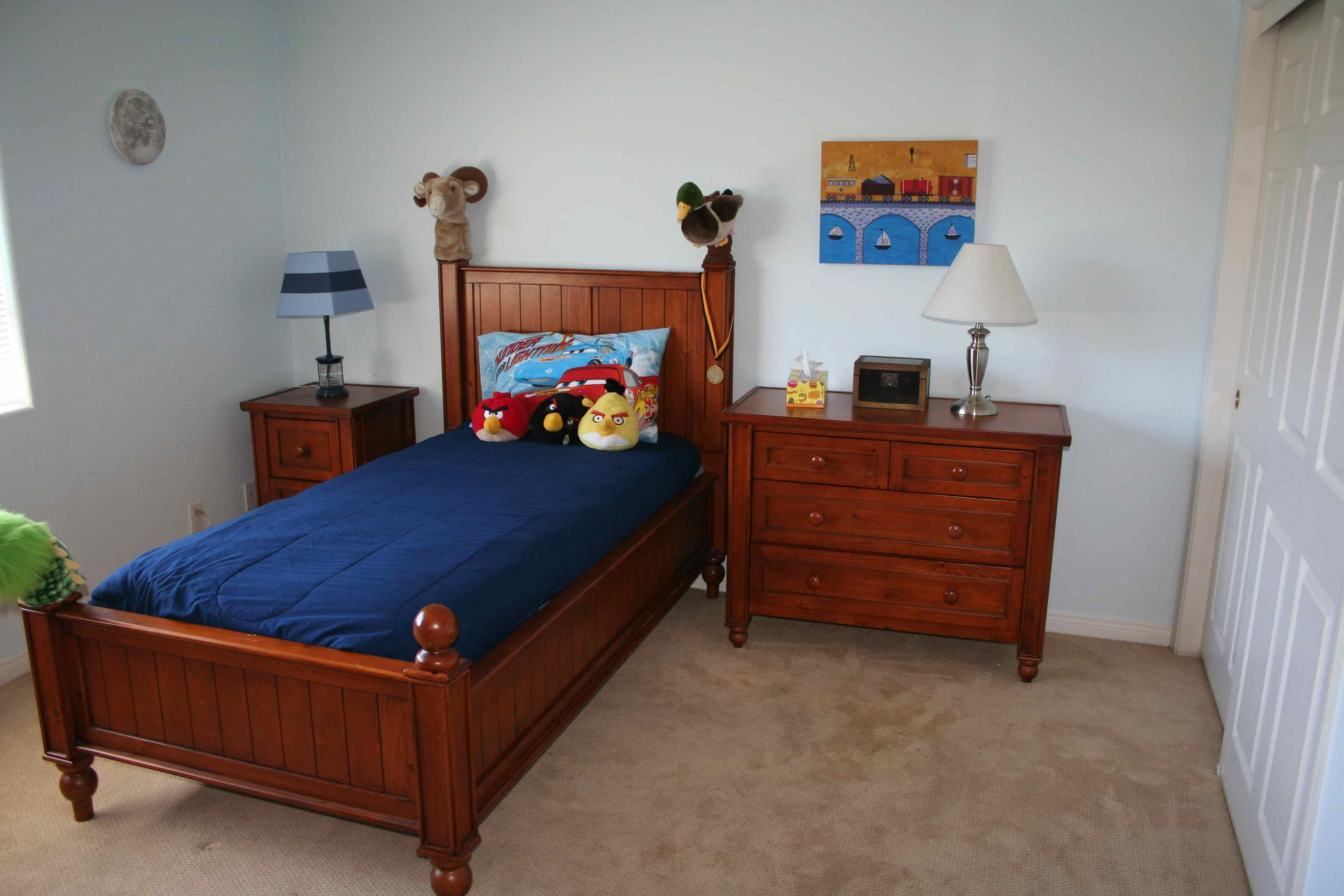 Childs Bedroom back to school boogie child's bedroom complete - momma can