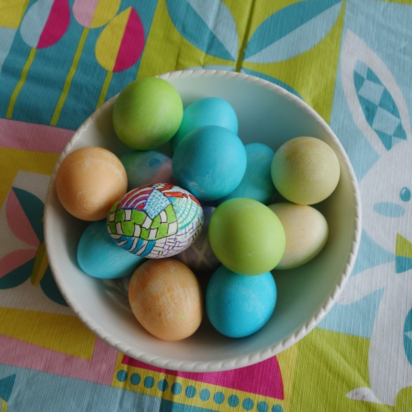 Beautiully decorating Easter Eggs.