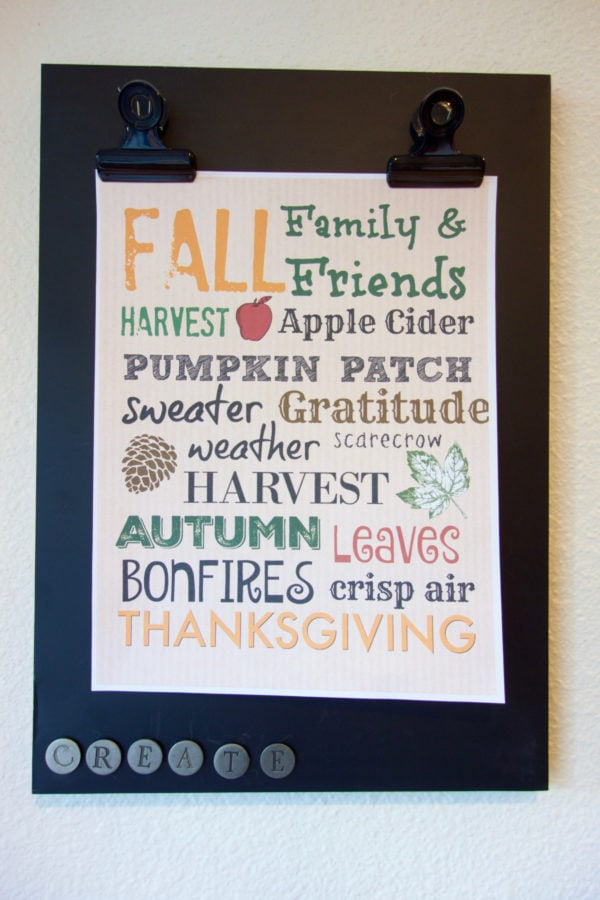 Free Fall Printable to decorate your home for fall.