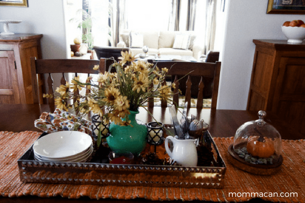 festive-fall-home-tour-dinning-room-mommacan-com