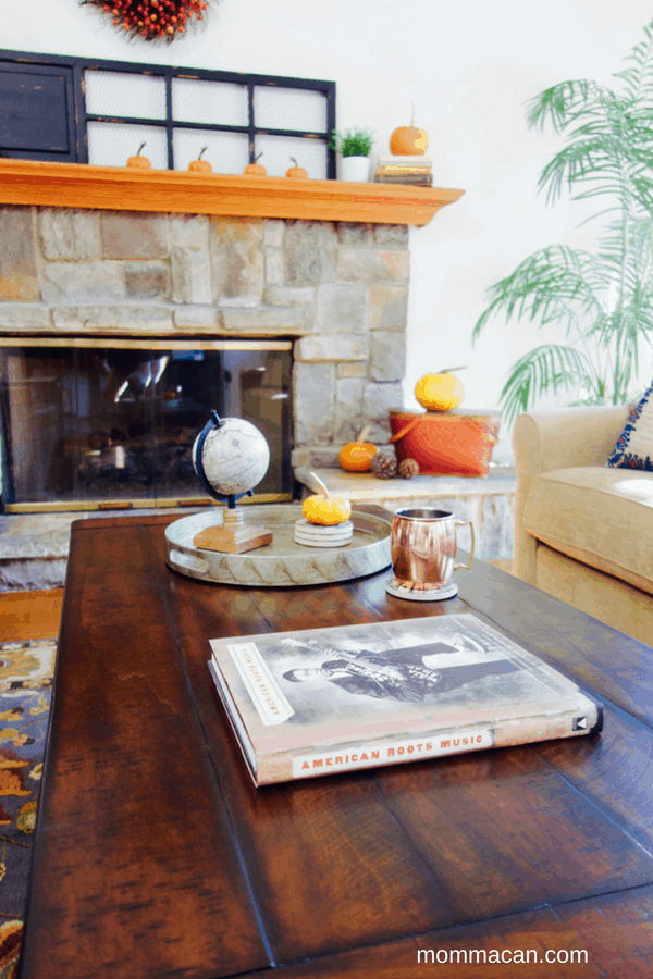 festive-fall-home-tour-living-room-coffee-table-mommacan-com