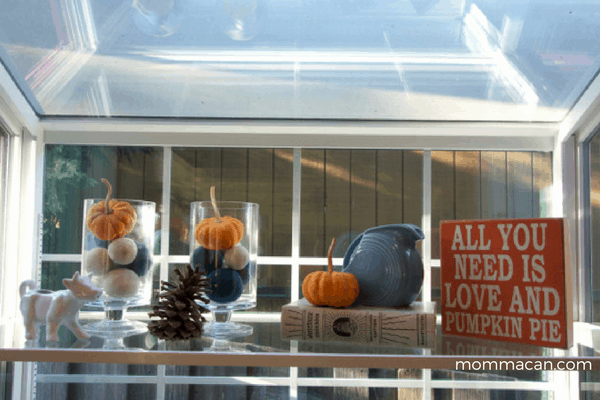 festive-fall-home-tour-morning-room-decorate-tray-pumpkin-mommacan-com