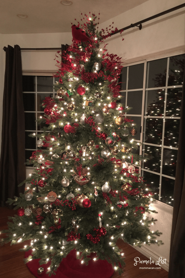 christmas tour 2016 mommacan com living room red cardinal christmas tree traditional evening photo