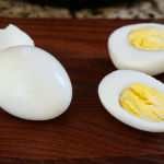 Instant Pot Hard Boiled Eggs perfect easy to peel eggs | Mommacan.com