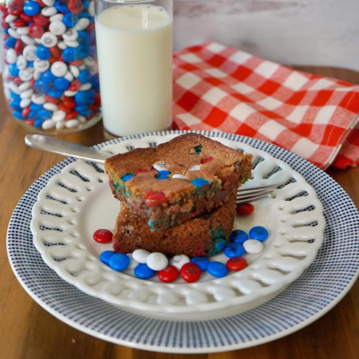 Patriotic Patriotic Blondie Brownie with cold milk and M &M jar