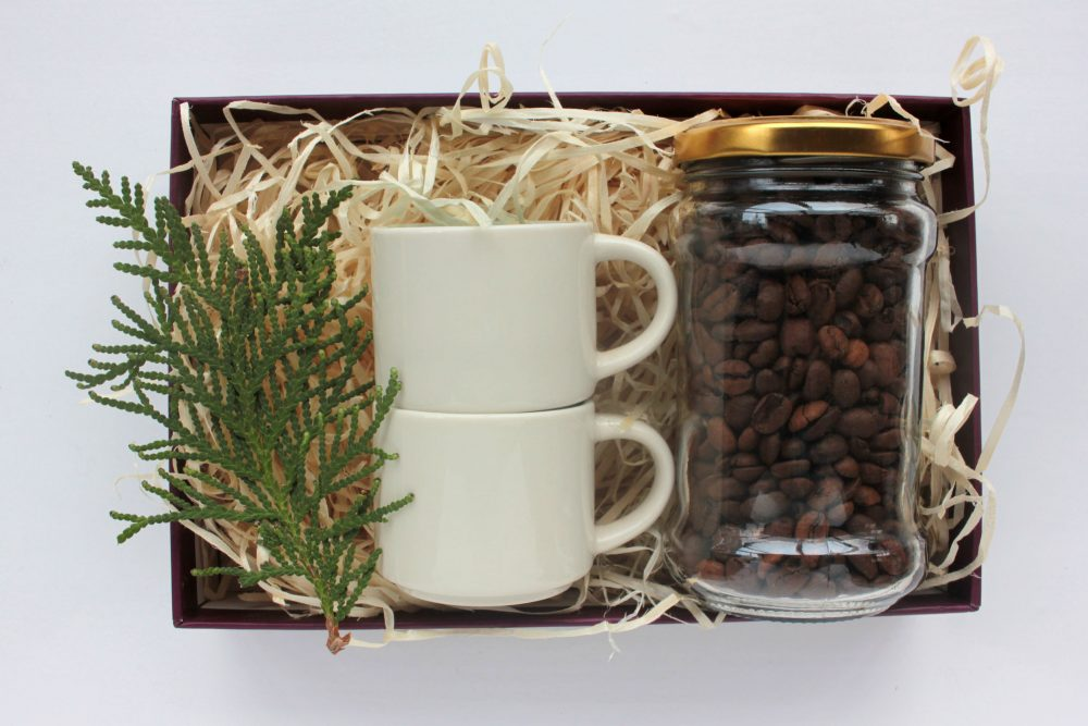 Gift Basket with coffee and mugs